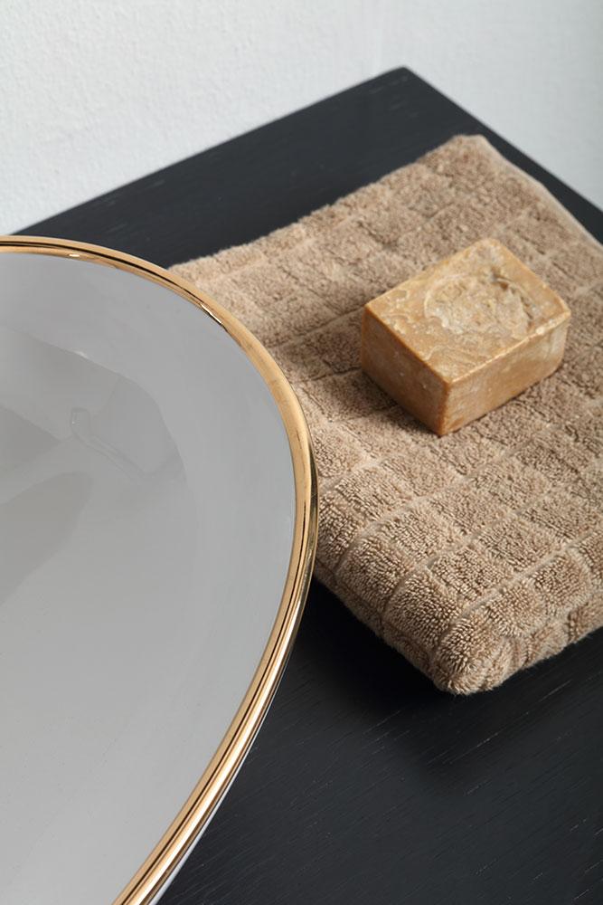 lavabo-d-appoggio-vessel-filo-oro-dettaglio-vitruvit.jpg
